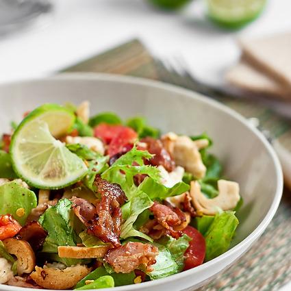 Salată cu bacon şi mozzarella
